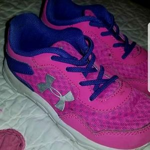 Toddler under armor sneakers